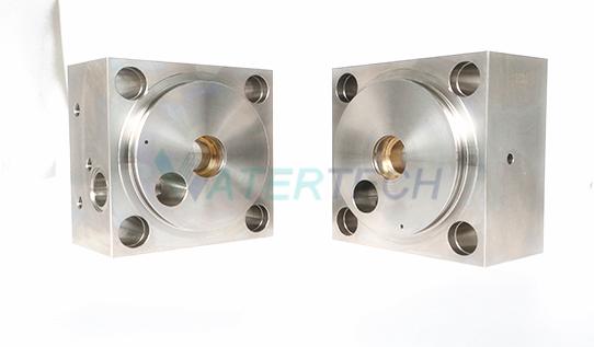 WT007303-1 60K Water Jet Intensifier Parts End Bell Left